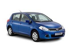 Стекло на Nissan Tiida 2007 - 2012 Hatch