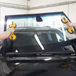 Замена лобового стекла в Киеве