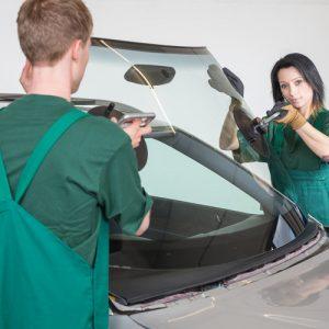 Установка лобового стекла легковых авто с сохранением молдинга